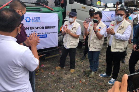 Ekspor Briket Produksi UMKM Jabar  dengan tema Briket Jabar Tembus Pasar Global, UMKM Berorientasi Ekspor